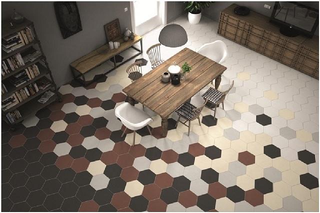 Sự sắp xếp độc đáo của gạch lục giác khiến sàn nhà vô cùng ấn tượng