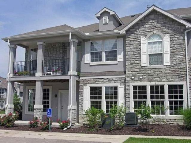 Lựa chọn loại gạch và màu sắc phù hợp phong cách căn nhà để tổng thể hoàn hảo hơn